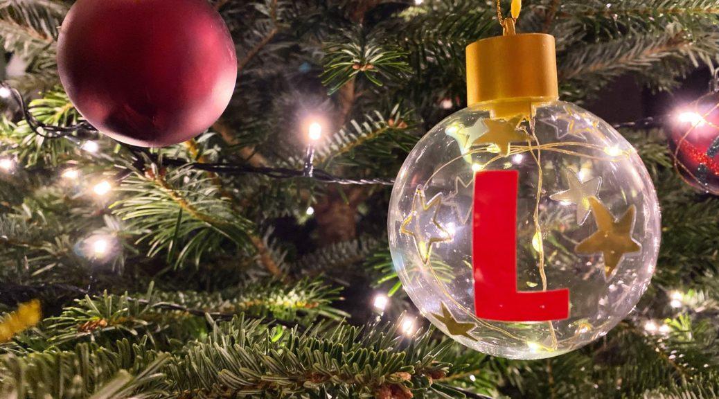 kerstboom kerstbal